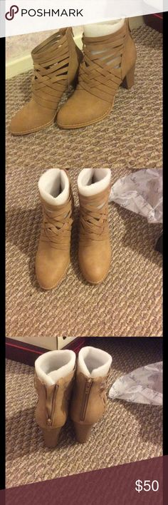Free people dupe Criss cross strappy ankle boots NOT free people brand. These are just a dupe by brand mi.im. Brand new size 8. Box included. No trades. Free People Shoes Ankle Boots & Booties