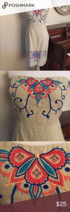 Banana Republic Size 10 Strapless Linen Dress Excellent Condition! Gorgeous dress from Banana Republic. 100% Linen with Beautiful Embroidery- Size 10 Banana Republic Dresses Midi