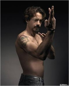 Robert Downey Jr is my world; unbelievably handsome, sexy & incredibly talented, as well as being zany & completely adorable as a husband & father. Robert Downey Jr., Kettlebell, Workout, Downey Junior, Hollywood, Wing Chun, Poses, Bruce Lee, Tony Stark