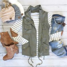 How perfect is this long sleeve shirt for fall? The classic stripes - Fall Shirts - Ideas of Fall Shirts Fall Shirts for sales. - How perfect is this long sleeve shirt for fall? The classic stripes Cute Fall Outfits, Fall Winter Outfits, Autumn Winter Fashion, Casual Outfits, Vest Outfits, Street Style Outfits, Mode Outfits, Fashion Outfits, Womens Fashion