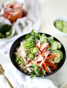 This Cooker Banh Mi Rice Bowls is a good for your dessert made with awesome ingredients! Dairy, Gluten Free, grain free and . Healthy Slow Cooker, Slow Cooker Recipes, Real Food Recipes, Healthy Recipes, Delicious Recipes, Skinnytaste Fast And Slow, Dinner Recipes, Meal Recipes, Dinner Ideas