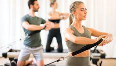 rsoanele care lucreaza la birou pana la alergatorii Sciatica, Stretching, Fitbit, Bikinis, Swimwear, Bathing Suits, Swimsuits, Bikini, Stretching Exercises