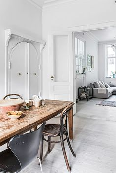 If you love interior design as much as we do, then you really should read this list. Covet House hand selected 15 interior designers working today that changed Top Interior Designers, Best Interior Design, Home Interior, Interior Architecture, Country Look, Piece A Vivre, Scandinavian Interior, Home And Living, Interior Inspiration