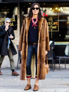 fall coats for women chic Leggings Mode, Leggings Fashion, Street Style, Street Chic, Fall Winter Outfits, Winter Fashion, Bandana Outfit, Fur Coat Outfit, Long Fur Coat