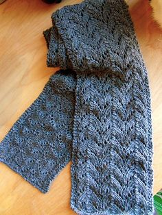 Free Pattern: Pacific Skies Knit Scarf by Scarlet Taylor