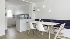sittebenk på kjøkkenet – Google Søk Dining, Furniture, Home Decor, Google, Food, Decoration Home, Room Decor, Home Furnishings, Arredamento