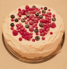 Pavlova, Cake, Desserts, Food, Pie Cake, Tailgate Desserts, Pastel, Meal, Dessert