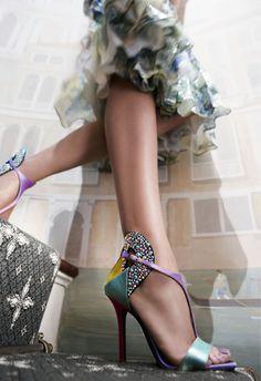 Sol en Escorpio(Empowerment) alineado con Neptuno en Piscis? Buy great shoes!     Diego Dolcini