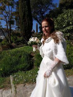 Robe de mariée en tulle pailleté et dentelle de chez Bianco Evento, par Mariage en Rose,mariage du 22 février 2020. Tulle, White Dress, Dresses, Fashion, Wedding Gold, Lace, Dress, White Dress Outfit, Gowns