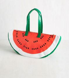 A handy bag that lets you carry a watermelon everywhere you go.