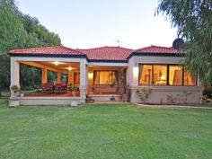 Photo of a brick house exterior from real Australian home - House Facade photo 472050