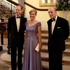 Prince Edward, Earl of Wessex and Sophie, Countess of Wessex are pictured with HRH Prince Philip, The Duke of Edinburgh. Casa Real, Sophie Rhys Jones, Duke Of Edinburgh Award, Prinz Philip, Royal Family Trees, Viscount Severn, Lady Louise Windsor, Royal Uk, Elisabeth Ii