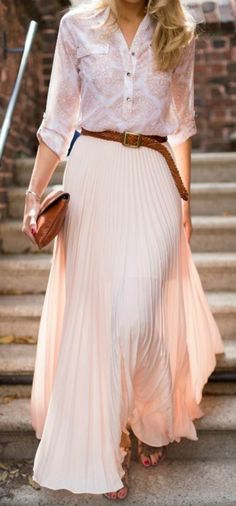 Latest fashion trends: Street style Pale blouse, brown belt and blush maxi skirt Maxi Skirt Outfits, Dress Skirt, Dress Up, Maxi Dresses, Woman Dresses, Skirt Belt, Flowy Skirt, Gold Dress, Midi Skirt