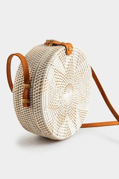 Get the Polly Round Rattan Crossbody today! My Style Bags, Out Of Style, Go Shopping, Online Shopping, Body Is A Temple, Summer Outfits, Summer Clothes, Summer Looks, Other Accessories
