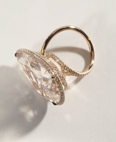 Pear-shaped fancy pink-brown diamond weighing 26.96 carats in 18k rose gold