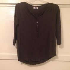 """Download the Postmark app to buy my Old Navy S quarter sleeve shirt Charcoal quarter sleeve shirt. Worn 2-3 times. Very soft. Sleeve length 16"""" Old Navy Tops Blouses"""