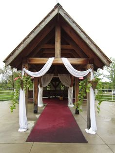 Wedding Head Table Decorations   ideas ceremony decor barn wedding decor belcroft tree farm head table ...