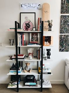 Goals: An It Couple's Williamsburg Pad Filled With Virgil Abloh & Pizza Living Room Decor, Bedroom Decor, Mens Room Decor, Hypebeast Room, Living Comedor, Room Setup, Art Mural, My New Room, Room Inspiration