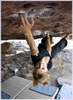 """""""What's in it's pocketses?"""".... Well actually it's Andrea Cartas on Eclipse (7b) Albarracín and some chalk."""