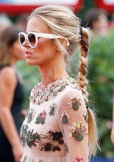 Visit GLAMOUR for the latest red carpet fashion and dresses pictures: All the action from the red carpet at the Venice Film Festival Laura Bailey, Hippy Chic, Boho Chic, Glamour Magazine Uk, Glamour Uk, Looks Chic, Dress Picture, Red Carpet Fashion, Fashion Details