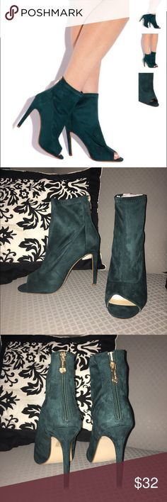 NWT Lola shoetique heel size 8 New in box and wrapping, sock like heel. Beautiful peacock color! Cute bootie heel for a body con dress or cuffed jeans! Size 7.5 but run big, best for size 8. Only reason I'm selling them! Lol Shoes Heels