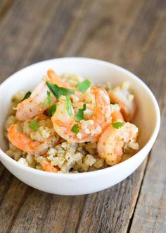 Low Carb Cauli-Rice and Shrimp. This Low Carb Shrimp Recipe is going to blow you away. Your family might not even realize that it Shrimp And Rice Recipes, Low Carb Shrimp Recipes, Grilled Shrimp Recipes, Shrimp Dishes, Seafood Recipes, Creamy Shrimp Pasta, Shrimp And Asparagus, Healthy Eating Recipes, Diet Recipes