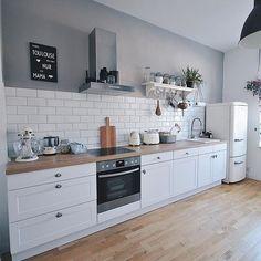 Kitchen Room Design, Home Decor Kitchen, Kitchen Furniture, Kitchen Interior, Home Kitchens, Outdoor Kitchen Cabinets, Kitchen Dining, House Inside, Küchen Design