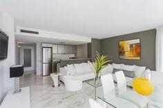 HIDRA APARTMENT | Si buscas grandes espacios y ambientes acogedores, bienvenido a este apartamento ubicado en la 3ª planta del edificio Bahía de Ibiza.#ibiza #luxury #apartment #ibizaluxury