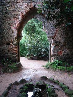 Portal: Toda Saída É Uma Entrada...