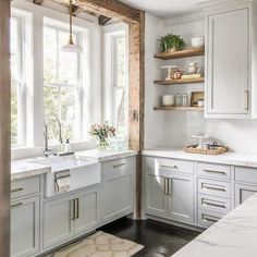 44 Best Farmhouse Kitchen Cabinets Design Ideas And Decor. If you are looking for 44 Best Farmhouse Kitchen Cabinets Design Ideas And Decor, You come to the right place. Home Decor Kitchen, New Kitchen, Kitchen Ideas, Brass Kitchen, Stylish Kitchen, Kitchen Designs, Kitchen Inspiration, Kitchen Sink, Kitchen Countertops