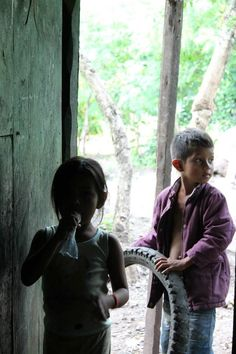 In de barrio's op bezoek bij mensen die zich in Nicaragua aan hebben gesloten bij de stichting Familias Especiales waar we mee samen werken.