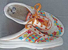 How to Decorate Canvas Shoes With Markers