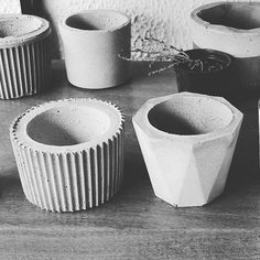 8 Beaming Clever Tips: Ceramic Vases Garden decorative vases receptions.Vases Ideas Pottery old vases colour. Vase Crafts, Concrete Crafts, Concrete Projects, Concrete Pots, Concrete Design, Wooden Vase, Ceramic Vase, Vase Centerpieces, Vases Decor