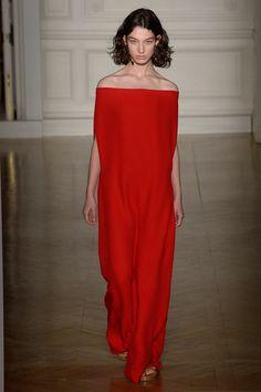 See the complete Valentino Spring 2017 Couture collection.#rexfabrics #fabrics #madetomeasure #hautecouture #couture #tecidos #telas #shoppingmiami #miami #fabricstoremiami #fabulous #fashion #fashionweek #fashionpolice #women #womensfashion #designer y #picoftheday #mustfollow #followme #charmeuse #chiffon #silk #taffeta #georgette #motherofthebride #bridal #bride #bridesmaid #gown #dress #eveninggown #bridaldress #charmeuse #chiffon #silk #taffeta #georgette #motherofthebride #bridal…