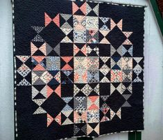Hey there! I'm Amanda Morrison, here to share my Multi-Faceted quilt with you today! This is my second quilt for Moda Bake Shop–you might remember my Pixie Sticks quilt that was published in May of la Charm Pack Quilt Patterns, Charm Pack Quilts, Charm Quilt, Quilting Tutorials, Quilting Projects, Quilting Designs, Quilting Ideas, Modern Quilting, Quilting Patterns