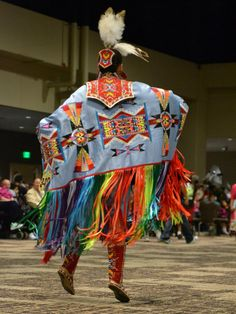 118 best images about Tribal Dancers Native American Dress, Native American Regalia, Native American Women, Native American Beadwork, American Indian Art, Native American Fashion, Red Indian, Native Indian, Fancy Shawl Regalia