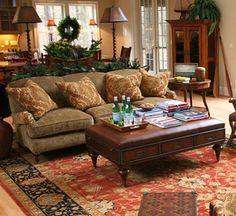 nice cozy room Love the table/footstool