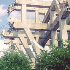 Makljen #momument by Boško Kućanski / www.spomeniky.com/makljen / #balkan #spomenik #brutalist #utopian #concrete #brutalism #architecture #makljen