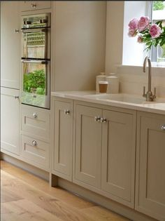 Modern Kitchen Modern Country Shaker Style country by SGH and Stump Furniture My favourite style of doors Shaker Home Decor Kitchen, Kitchen Living, Kitchen Interior, New Kitchen, Kitchen Ideas, Kitchen Wood, Kitchen Country, Warm Grey Kitchen, Warm Kitchen Colors