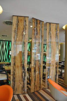 cloison bois design fabriquée en panneaux de bois brut recouverts d'une couche de protection fine - Antico Trentino