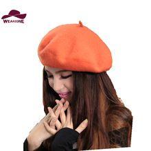 Nuevo invierno mujeres sombrero boinas de lana vintage 32 colores gorras  fortín sombrero de hombre mujer b6beee9531c