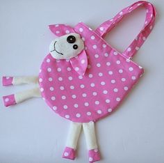 31 ideas sewing patterns for kids toys scrap Sewing Toys, Baby Sewing, Sewing Crafts, Sewing Projects, Fabric Toys, Fabric Crafts, Potli Bags, Diy Sac, Diy Bags Purses
