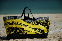Beach Bag (XL) made out of recycled kitesurf sail