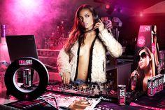 La DJ Mari Ferrari pour Full Size. Plus de photos et d'infos sur les soirées sur le blog et la page Facebook.