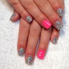 Nails | Sparkles and pink