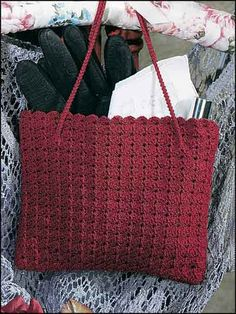 "garnet purse ~ free pdf pattern  Make this beautiful beginner crochet handbag pattern for a friend. Size: 5-1/2 x 6 1/2"".  Skill Level: Beginner  Designed by Dawn Goodan  from free-crochet.com"