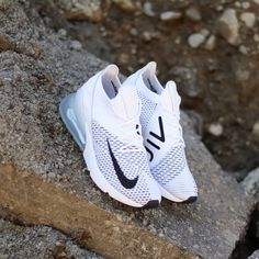 online store 6644f e585f 2018 Nike Air Max 270 Flyknit Women s Shoe in white, platinum and black.  Zapatos
