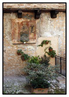 Fading fresco - #Trevi (Umbria)