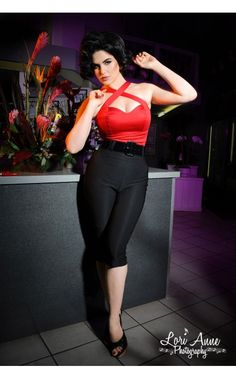 Must have! -  Deadly Dames Capri Pants in Black - Rock-n-Roll - Collections | Pinup Girl Clothing