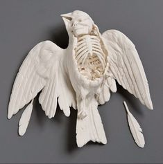 Example of ceramic sculpture by Kate Macdowell. This sculpture is in response to environmental issues such as climate change, toxic pollution etc. Which is why it's perfect for the post modern frame as it makes comment on important world issues. Ceramic Birds, Ceramic Art, Ceramic Figures, Ceramic Painting, Kate Macdowell, Art Beauté, Nanu Nana, Bird Skull, Art Et Illustration